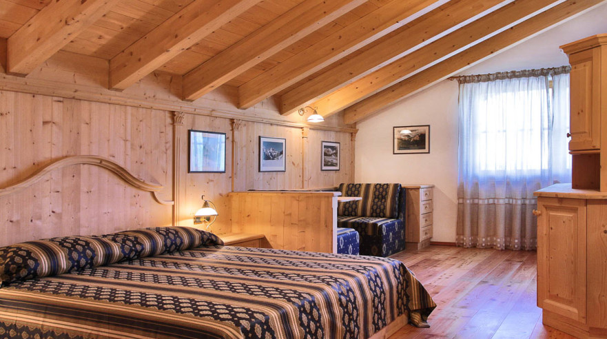 Corvara U2013 Chalet Alt***, Attic, Three Room Apartment